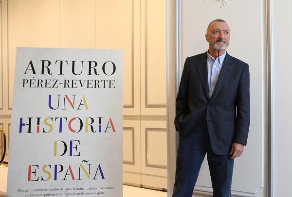 Resultado de imagen de Pérez-Reverte: «España está en demolición.
